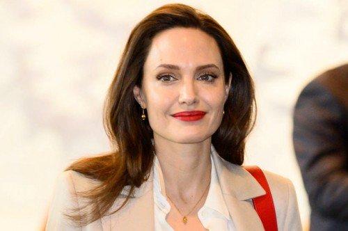 Анджелина Джоли хочет стать политиком?