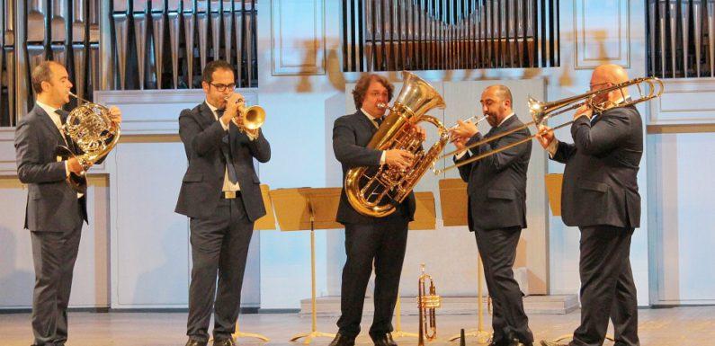 В России впервые выступил Spanish Brass. И не зря