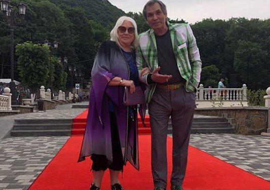 Бари Алибасова отравила внучка его пожилой жены