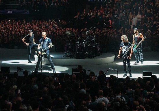 Музыканты Metallica в «Лужниках» исполнили песню «Группа крови»