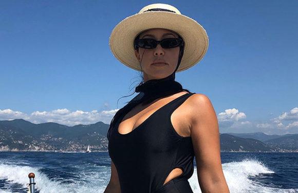 Кортни Кардашьян не стала скрывать свои растяжки на фото: поклонники похвалили ее за честность