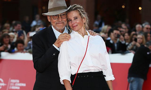 Романтика на красной дорожке: Юлия Высоцкая и Андрей Кончаловский на премьере фильма «Грех» в Риме