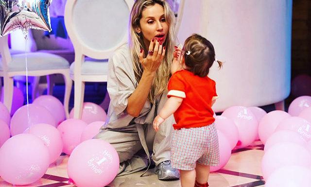 Светлана Лобода поделилась снимками со дня рождения младшей дочери Тильды