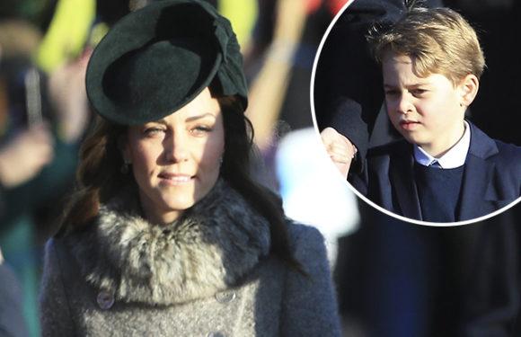 Кейт Миддлтон и принц Уильям с детьми, королева Елизавета II, принц Эндрю и другие посетили рождественскую службу
