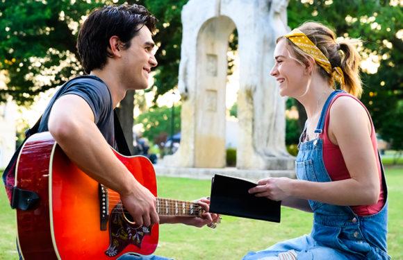 Любовь и смерть: 6 фильмов, в которых романтические чувства вспыхивают на фоне трагических событий