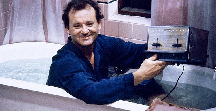 """Билл Мюррей дал интервью, лежа в ванной: """"Мне сказали, что мыльная вода спасает от коронавируса"""""""
