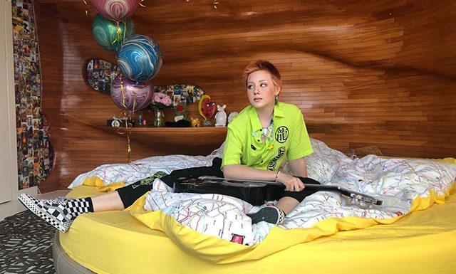 13-летняя дочь Натальи Ионовой дебютировала в качестве певицы и выпустила клип на песню «Петарда»
