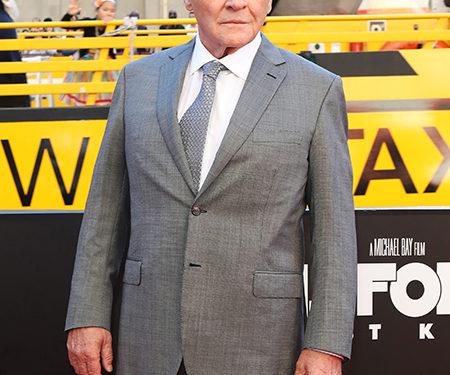 О герое Великобритании Томе Муре снимут фильм: Клинт Иствуд и Энтони Хопкинс претендуют на главную роль