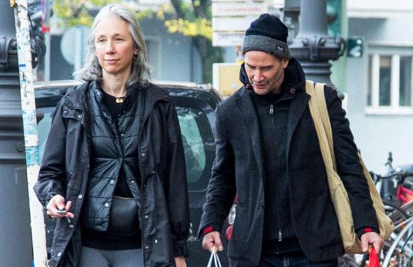 Киану Ривз с возлюбленной Александрой Грант на шопинге в Берлине