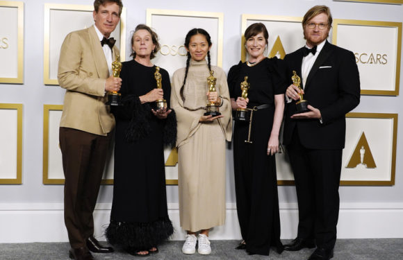 "Фрэнсис Макдорманд, Хлоя Чжао, Энтони Хопкинс и другие лауреаты ""Оскара-2021"""
