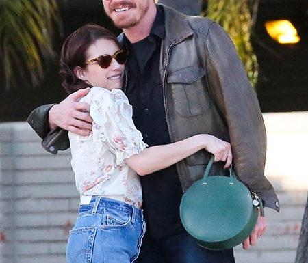 """Эмма Робертс сыграет главную роль в ремейке фильма """"Ирония судьбы, или С легким паром!"""""""