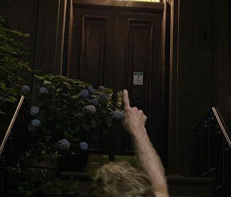 «Страшно»: Сара Джессика Паркер вернулась в квартиру Кэрри Брэдшоу накануне начала съемок продолжения «Секса в большом городе»